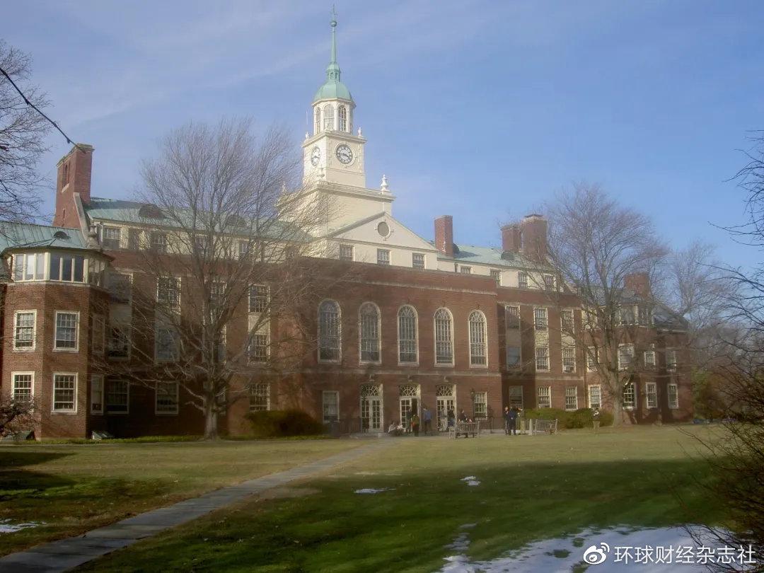 普林斯顿高等研究院(IAS),1930年成立于美国新泽西州普林斯顿市,是世界著名理论研究机构。图为普林斯顿高等研究院主楼富尔德楼