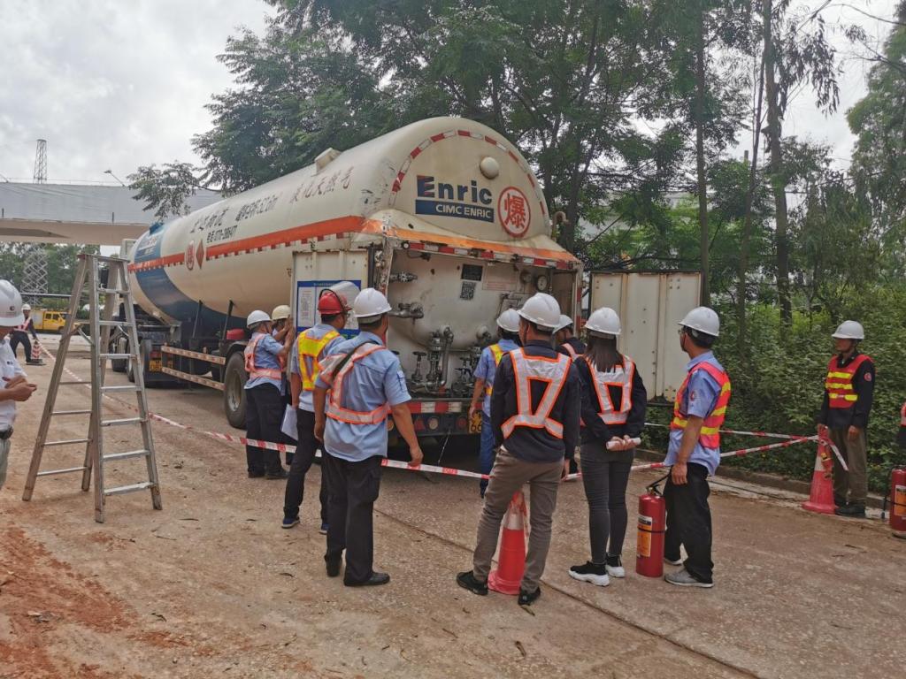 茂名中燃:危难时刻显身手!成功处置三起LNG槽罐车泄漏险情