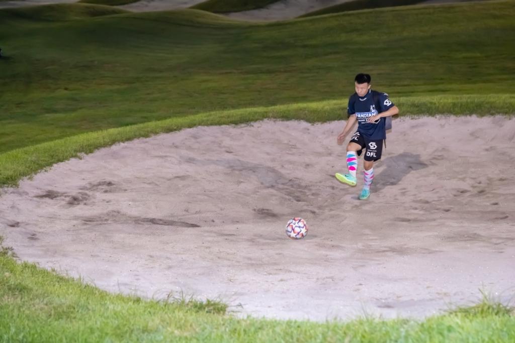 北京足球高尔夫超级联赛第三站赛事在燕西台球场正式开杆